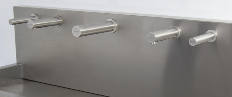 Séchoir électrique RONDEO inox sur lavabo