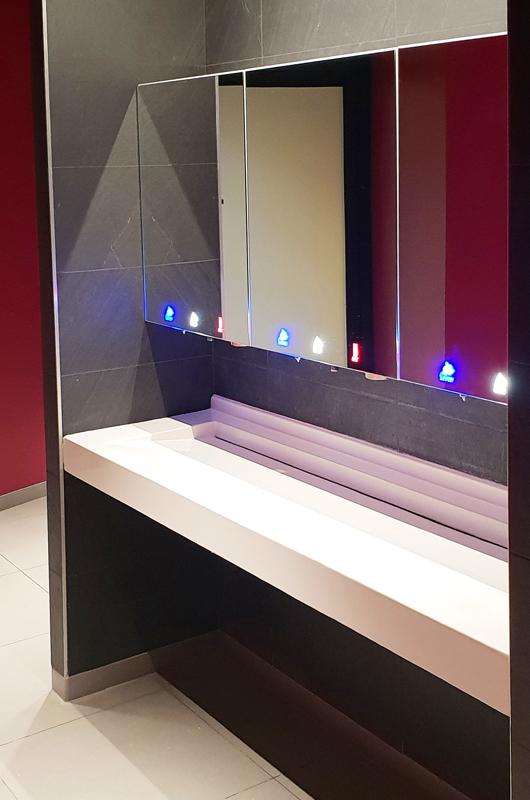 Module 3en1 miroir tout-en-un sur lavabo